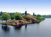 Корсунь, памятник Росичу