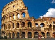 1377840916_the-famous-colosseum-in-rome(2)